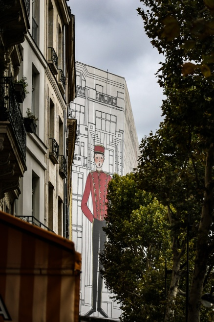 Parisians even cover their construction with art. Why can't we?
